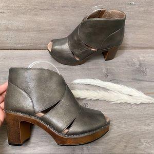 Dansko Delphina Ankle Booties